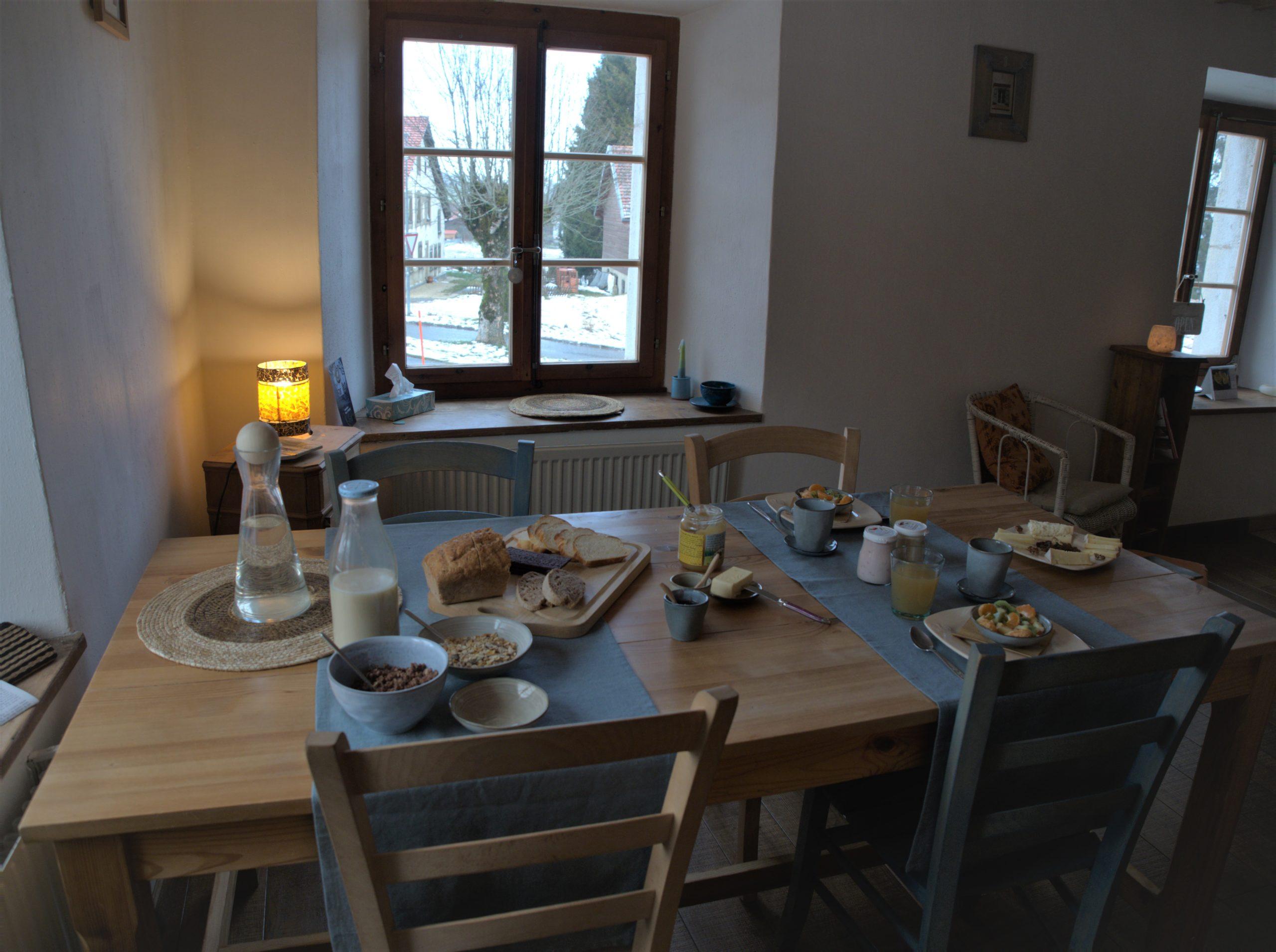 Photo d'un petit déjeuner du terroir